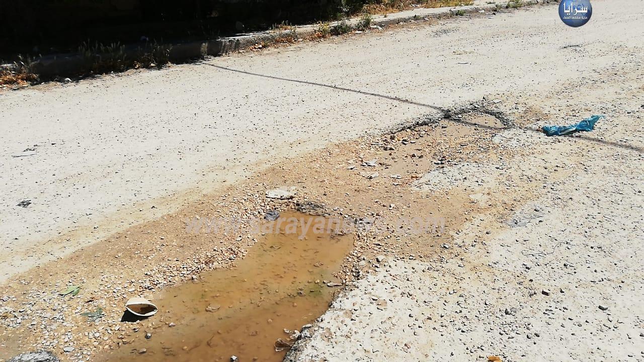 """بالصور .. الأغوار الشمالية: شوارع متهالكة بمنطقة تل الأربعين والبلدية لسرايا خلطة اسفلتية بقيمة 700 ألف دينار"""" تفاصيل"""""""