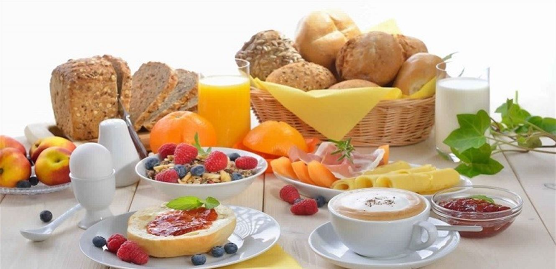 تجنبوا تناول هذه الفاكهة على الإفطار ..  اليكم الخيار الأمثل