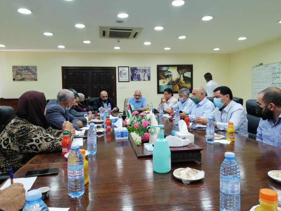 العمل النيابية تطلع على قضايا عمالية في شركة الفوسفات