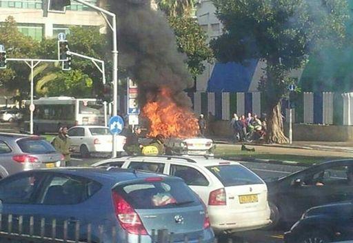 سبع اصابات في  انفجار قرب وزارة الدفاع الاسرائيلية  .. شاهد الصور