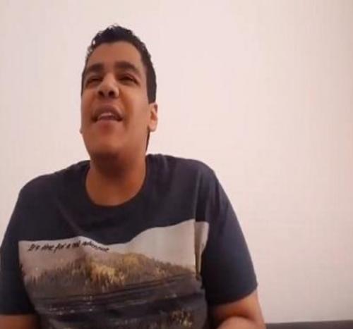 بالفيديو ..  رد فعل صادم لشاب بعد مشاهدة زفاف الأمير هاري مع زوجته