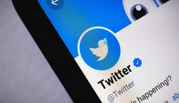 (تويتر) يحذف تغريدة للرئيس النيجيري لهذا السبب