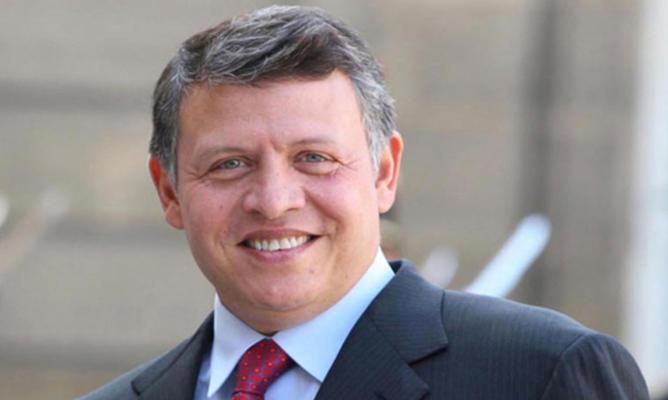 الملك يغرد على تويتر  للعمال: بهمتكم الأردن أقوى