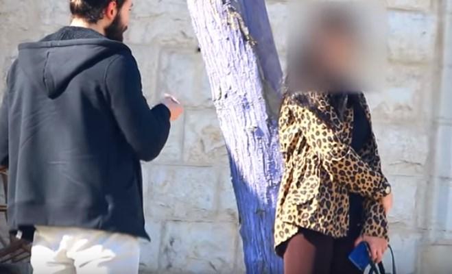 الكاميرا الخفية : ليش شايفة حالك؟!!!