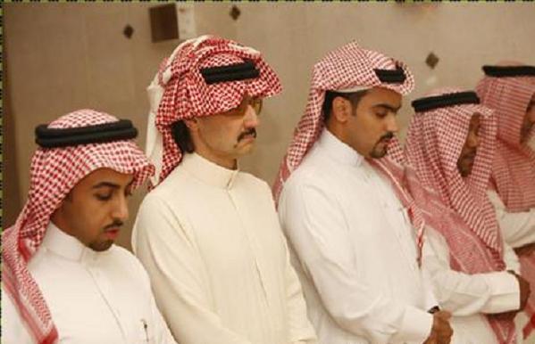 الأمير الوليد بن طلال : صليت 450 صلاة في ليلة واحدة