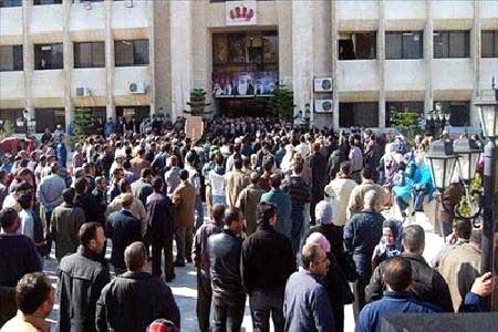 موظفي المياه والري يهددون بالتصعيد في لاحال عدم تلبية مطالبهم