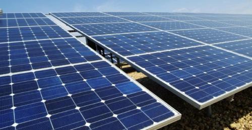 """11 عطاء لتركيب أنظمة خلايا شمسية لمنتفعي """"المعونة الوطنية"""""""