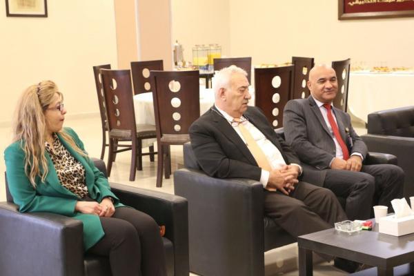 ناصر الدين يلتقي اساتذة الاعلام بالشرق الأوسط ويؤكد ان الارادة الملكية للاصلاح هي طريق المستقبل الافضل