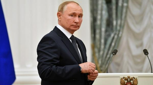 بوتين إلى الحجر الصحي بعد إصابة مقربين منه بكورونا