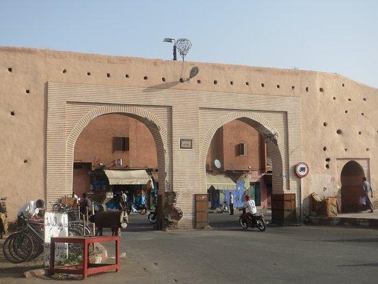 بالصور  ..  تعرفوا على بوابات مدينة مراكش