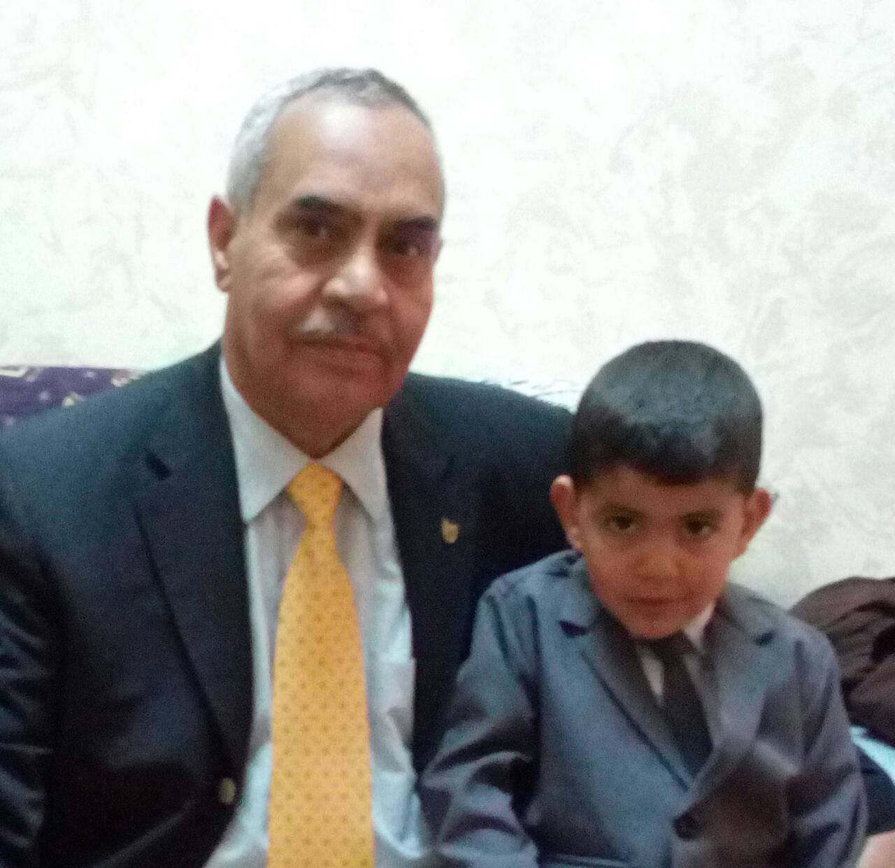 الجد زكي الكفاوين والحفيد راشد صدام  ..  كل عام وانت بخير
