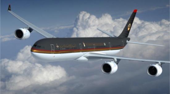 طائرة الملكية تعود الى عمان بعد اقلاعها بسبب خلل فني