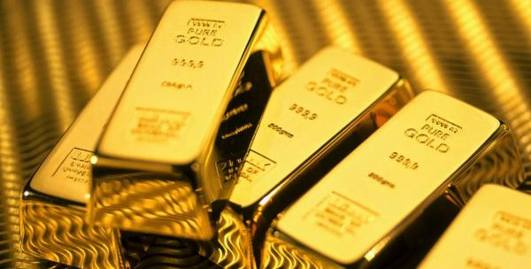 الذهب يتجه لتسجيل أكبر انخفاض أسبوعي في عامين ونصف