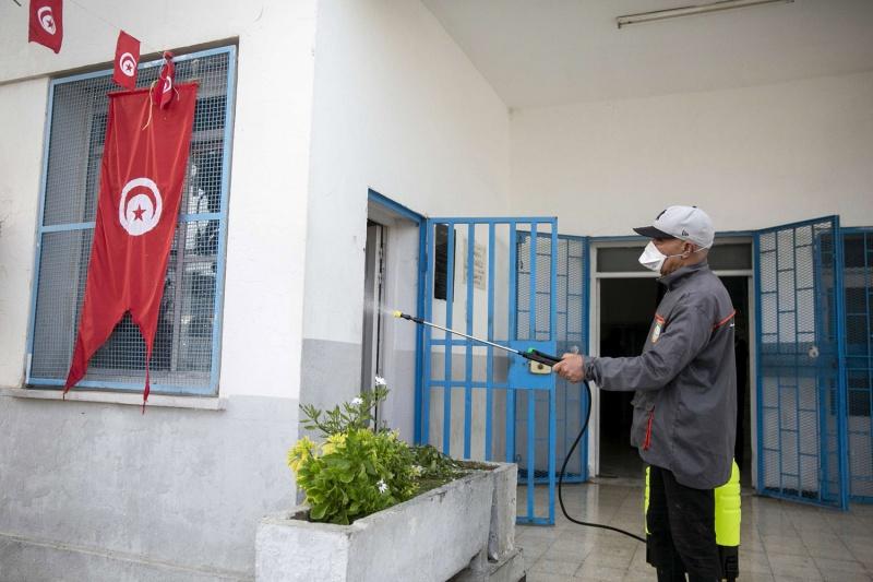 تونس تخفف من حظر التجوال والإجراءات المتصلة بكورونا
