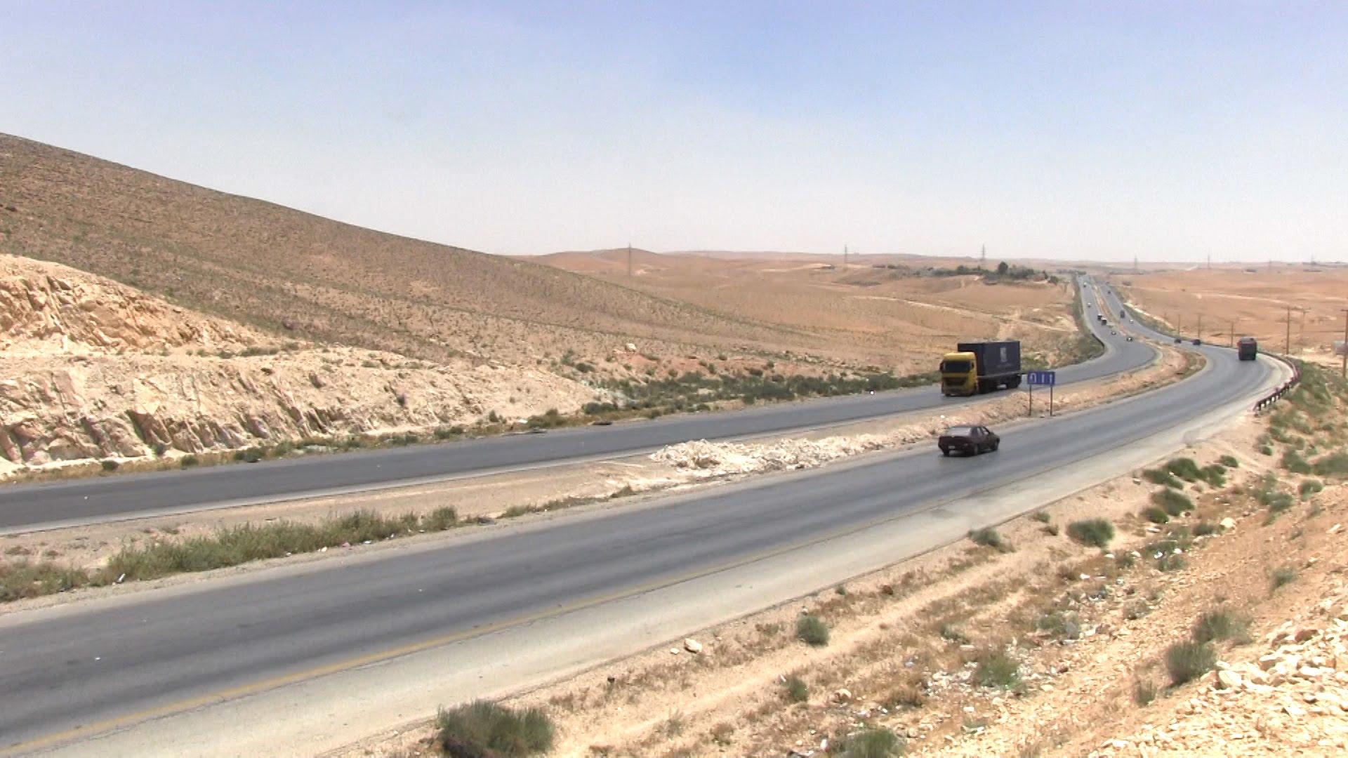 4 إصابات على الصحراوي إثر حادث تدهور