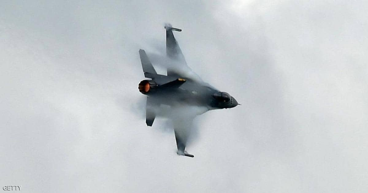 بخطأ ساذج ..  طيار روسي يحطم طائرة صديقة خلال مناورة روسيا