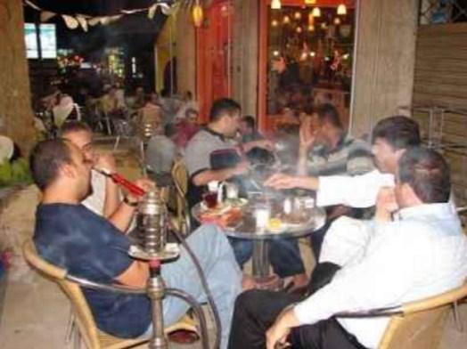 إغلاق 80 كوفي شوب ومطعم مخالف  و إنذار 152 في عمان