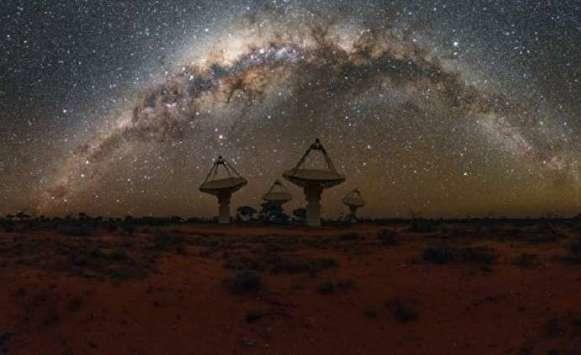 اكتشاف عشرات إشارات الراديو الفضائية