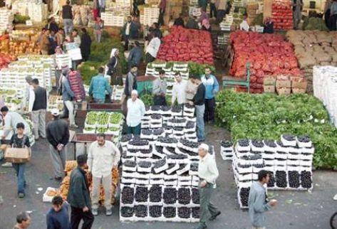 المستهلك: أسعار الخضار والفواكه مرتفعه جداً.. والسبب جشع التجار