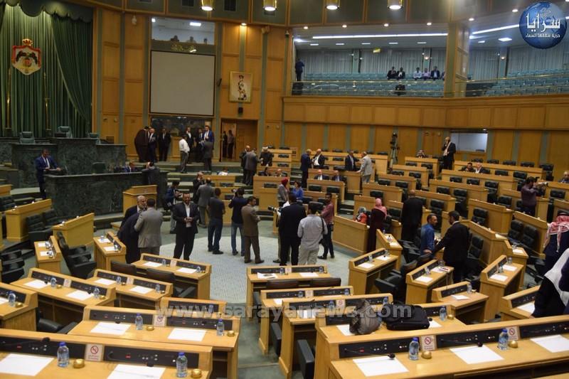 """النواب يناقش """"التقاعد المدني"""" من دون نصاب"""