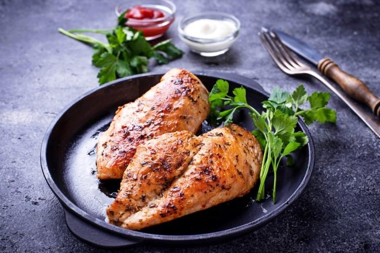 صدر دجاج مشوي حار للرجيم