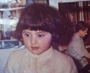 بالصور .. هذه الطفلة أصبحت نجمة سورية فاتنة