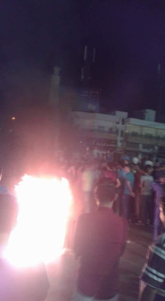 الرمثا اعمال شغب  على خلفية نشر فيديو الاعتداء على دكتور في جامعة اليرموك  .. فيديو وصور