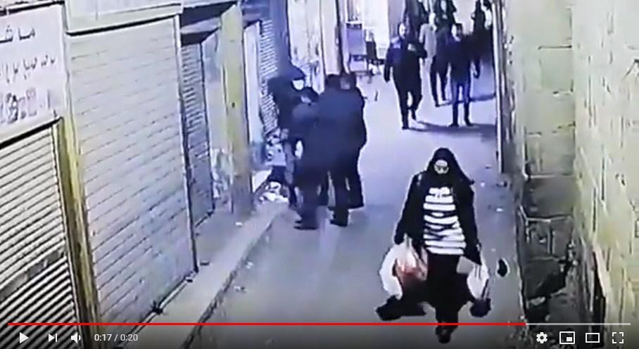 بالفيديو  ..  لحظة تفجير إرهابي عبوة ناسفة بنفسه وسط القاهرة