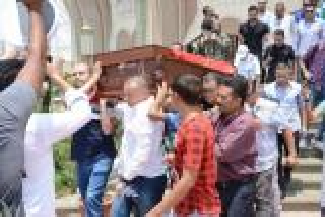 بالفيديو :  ماذا كشف حارس مقبرة عمرو سمير قبل ساعات من دفنه؟