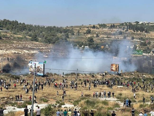 شهيد وأكثر من 20 إصابة برصاص الاحتلال عند مدخل البيرة