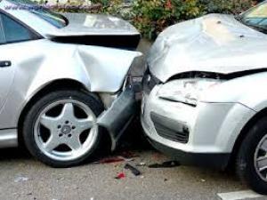 3 إصابات بتصادم مركبتين في لواء غور الصافي