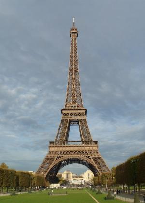 أشهر 10 نصابين في العالم .. أحدهم باع برج إيفل والآخر خطف الموناليزا