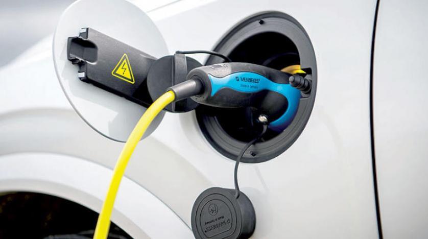 بحث بريطاني: السيارات الكهربائية أكثر اعتمادية من البترولية