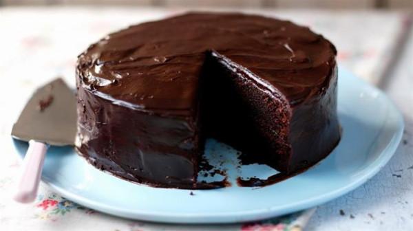 كيكة الشوكولاتة بدون فرن وبدون بيض