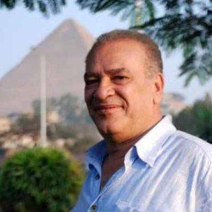 بالفيديو  ..  صلاح عبد الله يقلد مبارك بإحدى جلسات محاكمته
