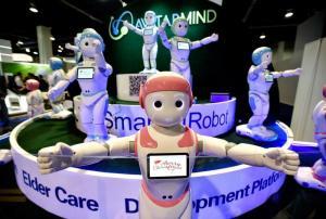 فيديو ..  روبوت بديل عن الأخ لحل مشكلة الوحدة لدى الأطفال