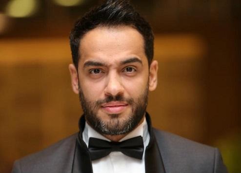 فنان مصري يعلن إصابته بالبهاق