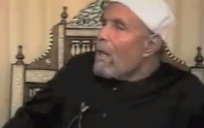بالفيديو  ..  القصة التي غيرت حياة الشيخ الشعراوي