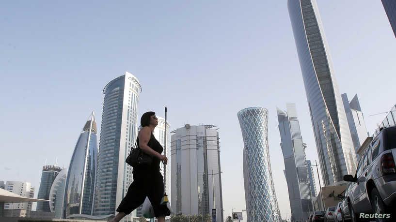 قطر تسمح بعودة 80% من موظفيها للمكاتب