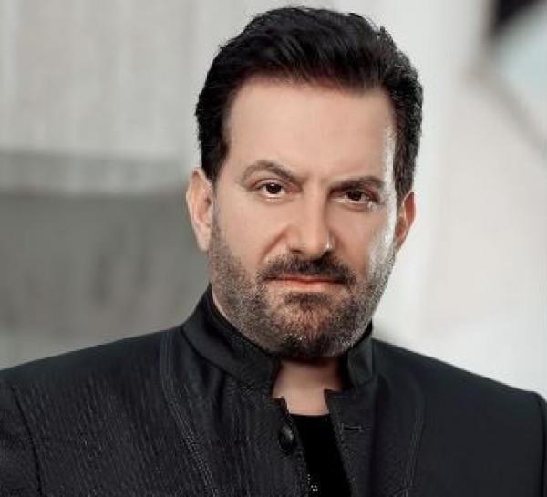 محمد إسكندر يشهر السلاح داخل مصرف لبناني