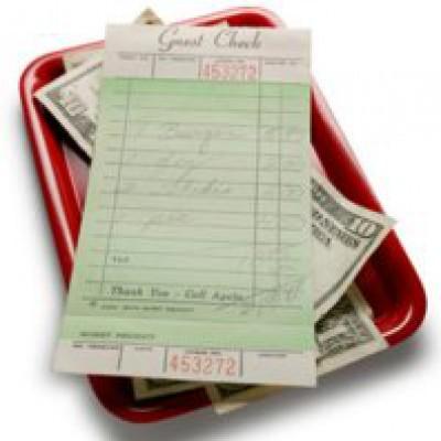 في أول موعد غرامي اختلفا على دفع الفاتورة