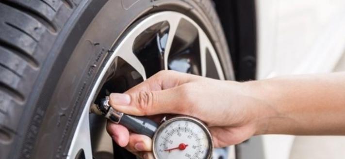 متى يتعين عليك فحص ضغط اطارات سيارتك؟