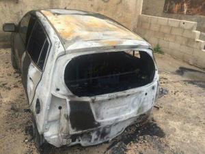 """مجهولون يحرقون سيارة مواطن في الزرقاء ... و الامن يحقق في الحادثة   """"صور """""""