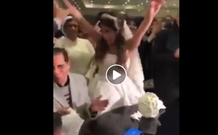بالفيديو ..  عروس تفقد اعصابها عند عقد قرانها تثير مواقع التواصل الاجتماعي