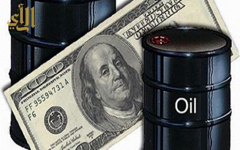 تباين أسعار النفط بالقرب من الأدنى لها في 18 عام والأنظار على المخزونات الأمريكية
