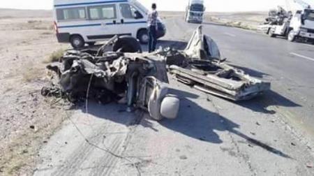 (15) إصابة بحادث تصادم بين حافلة نقل طلاب وتريلا على الطريق الصحراوي