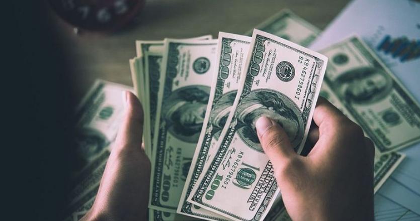 عالمياً  ..  ما هو الوقت المناسب لشراء الدولار؟