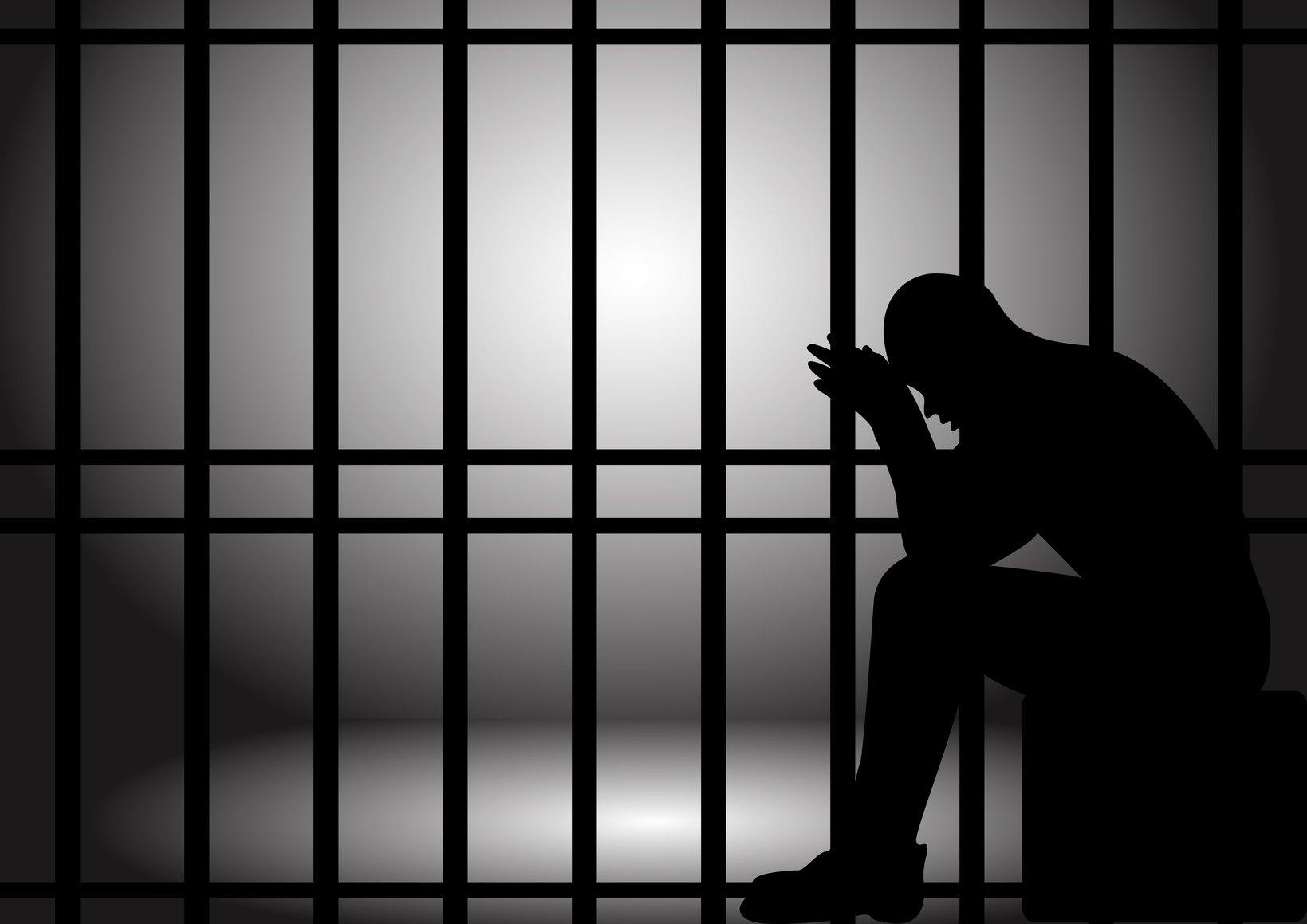 رئيس المجلس القضائي يوعز للقضاة بزيارة السجون بعطلة العيد