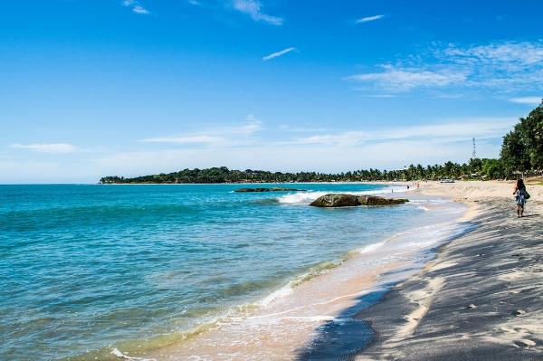 بالصور  ..  أجمل الشواطئ السياحية في سريلانكا
