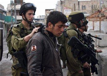 الاحتلال يعتقل 7 مواطنين في حملة مداهمات بالضفة